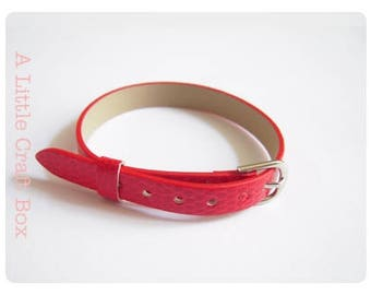 1 bracelet in faux leather - red color