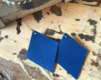 Leather earrings in blue leather