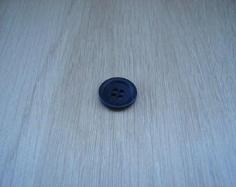 medium black button with RIM