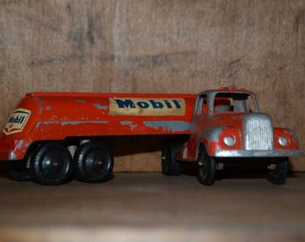 1950's Tootsie Toy Mack Mobil Gasoline Tanker Truck And Trailer