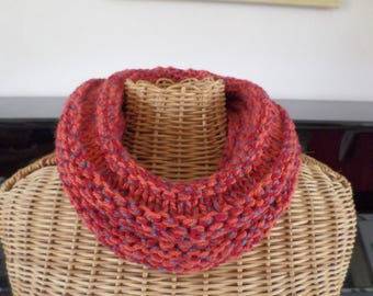 snood knitted with a pattern with two yarns in acrylic