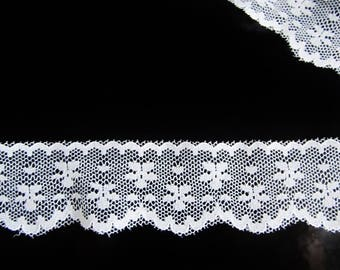 White lace - cut of 85 cm long white lace