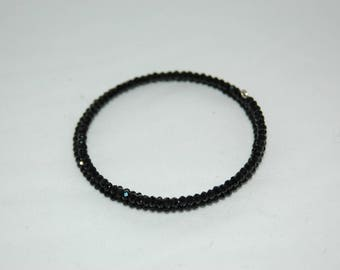 Wire Bracelet shape memory and black beads