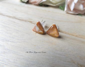 Stud earrings triangle mini, colors pink powder