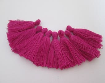 8 pompons en fils de coton longueur 3 cm couleur : rose byzantin