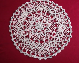 BEAUTIFUL ROMANTIC DOILY