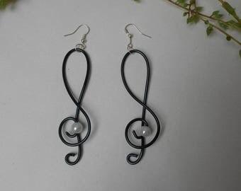 -Black and white elegance - earrings for pierced ears