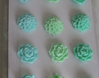 Green resin coconut blossoms