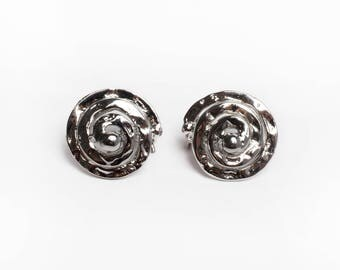 Color old silver spiral earrings