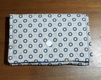 Clutch pins and elastic fabric