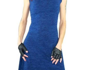 Pullover dress without sleeves and collar, blue knit wool