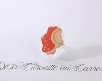 Orange, yellow and white psychedelic ring