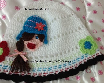 Hat crocheted with crochet flowers