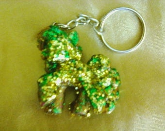 Green and gold glitter pinkie pie mlp keychain