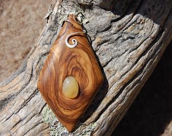 Pendant d jewelry quartz inlaid in wood