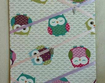 table support bars colorful owls