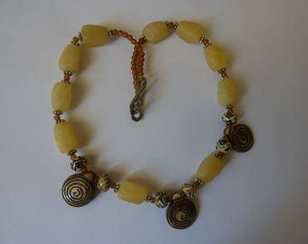 Beautiful necklace Choker but not tight with natural yellow stones