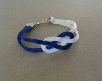 Chinese knots bracelet in dark blue and white color satin