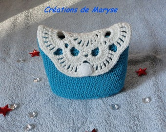 Small pouch, purse, bag, blue and white crochet Kit