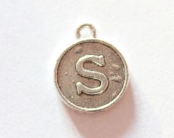 Silver metal charm, letter S, about 15 * 12 * 2 mm