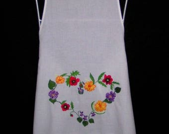 Handmade on apron in cotton embroidery