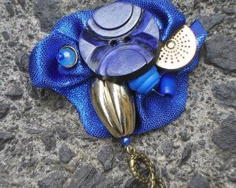 Mediterranean brooch (fabric, metal, beads, buttons...)
