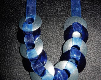 "Silver Midnight Blue necklace ""enrubannées washers"""