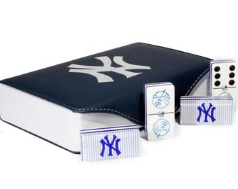 New York Yankees Jumbo Domino Double Six, 5 Coats 100% Acrylic. Faux Leather Case