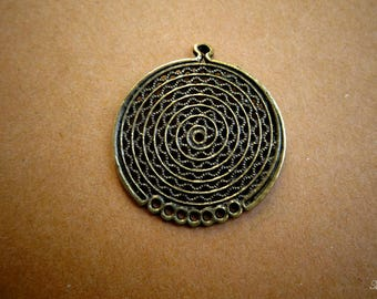 5 pendants round antique for creating jewelry