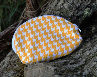 Vintage mustard yellow houndstooth wallet