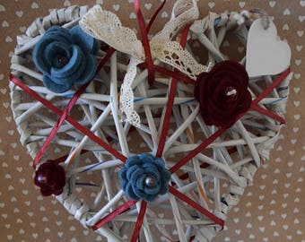 Heart with roses made of felt and Ribbon lace