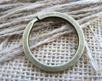 2 rings for creation of Keychain clasp