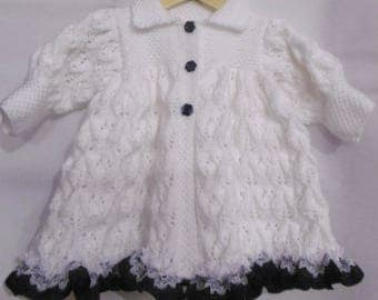 Coat chic baby girl knitted by hand (size 6 months)