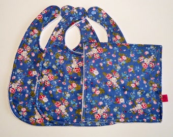Set of two bibs and a blue sponge liberty square