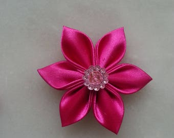 5 cm fleur de satin rose fuchsia   petales pointus