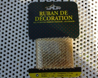 Ribbon for indoor or outdoor decoration