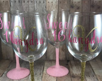 Personalized Wine glass with glitter  bottom