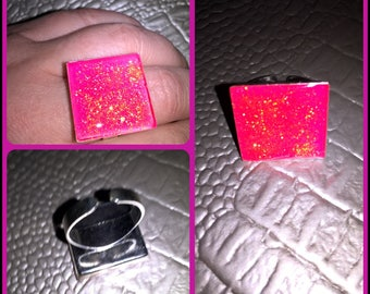 Square shape in translucent resin Adjustable ring