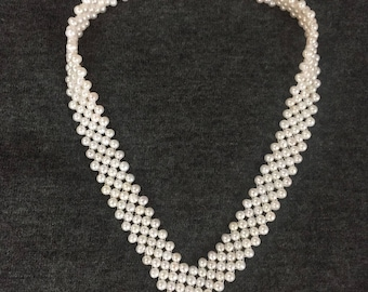 V-shaped pearl knitting necklace / bridal necklace