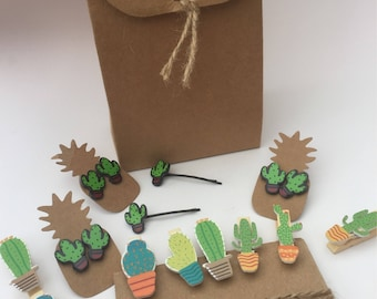 5 x fully made up and ready to go!! Cute cactus prickly party bags... including cactus hair grips, cactus earrings and cactus memo pegs!