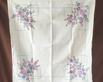 Tablecloth. Vintage Handmade linen tablecloth with original embroidered. Vintage Tablecloth Nappe ancienne