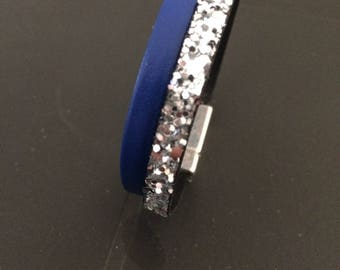 Blue and silver bracelet with magnet clasp