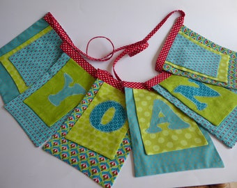6 square Bunting personalized with a name and fabric choice