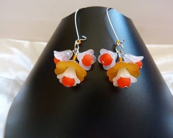Acrylic Orange and white spring flowers earrings