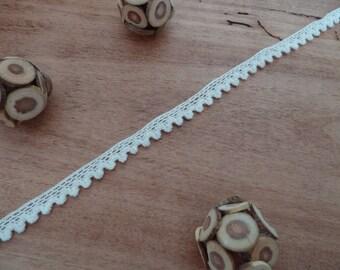 1 meter Ribbon - lace - white cotton lace - 1 cm wide
