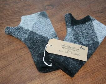Fingerless mittens, boiled wool/ alpaca, black/ grey check, fingerless gloves/ wristwarmers, handmade, unique gift idea, felted wool