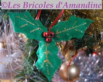 Holly in felt and beads decoration