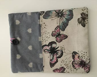 Padded ipad / tablet case with pocket