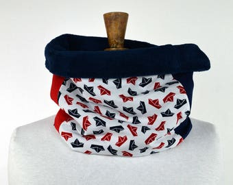 Snood child in blue and Red origami boat pattern