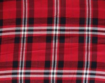 tissu viscose/ laine  madras écossais , rouge , noir et blanc